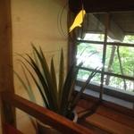 部屋2窓鶏_1682.JPG